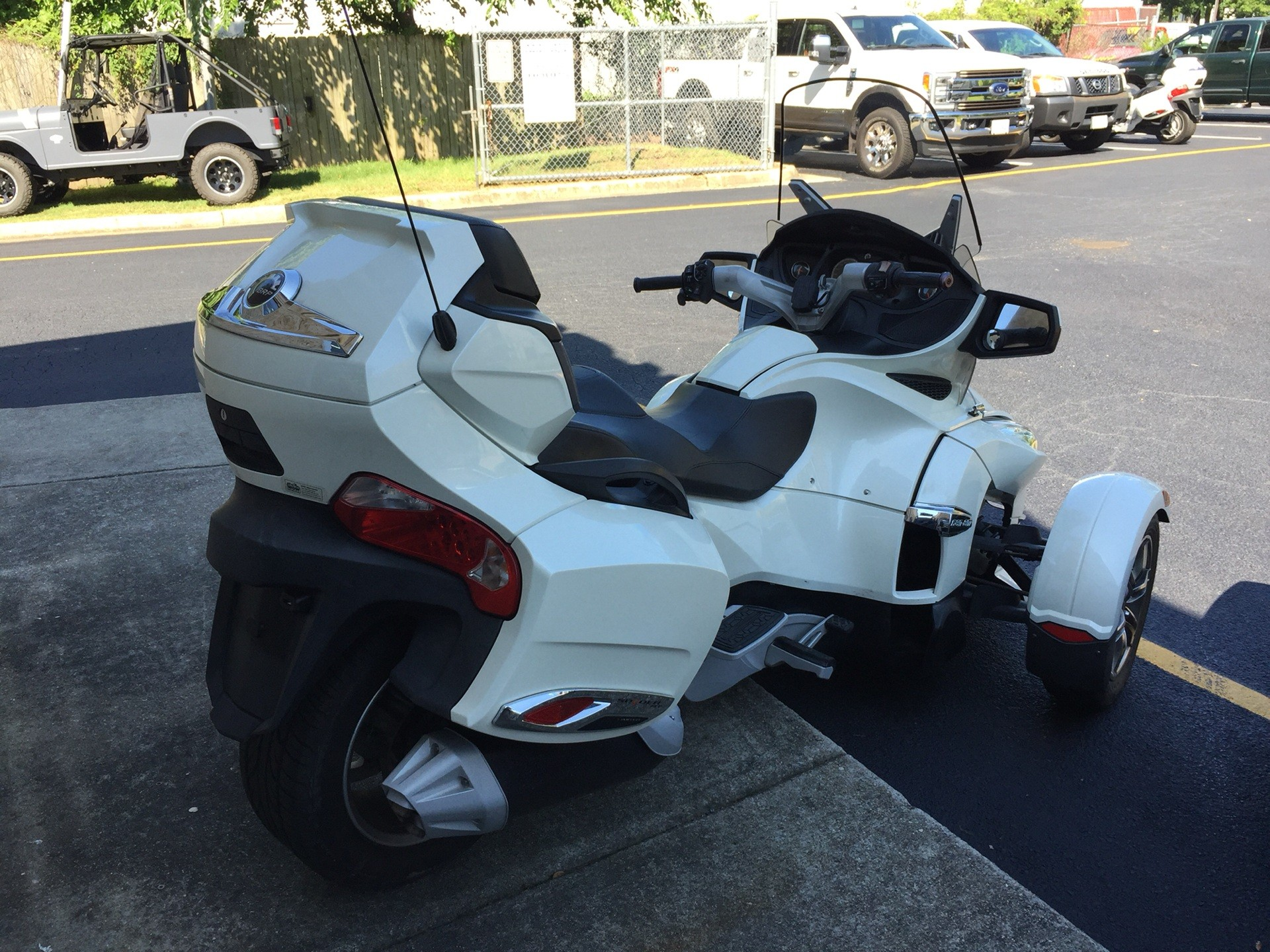 2011 Can-Am Spyder® RT Limited in Chesapeake, Virginia - Photo 5