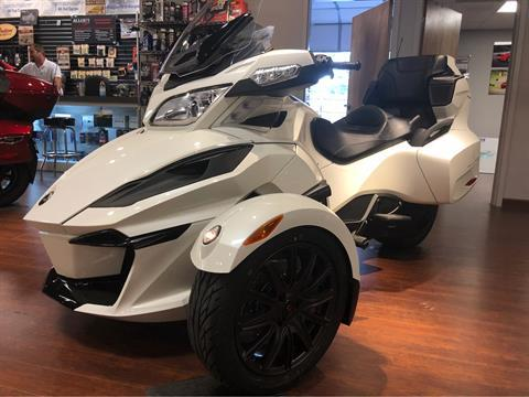2018 Can-Am Spyder RT SE6 in Chesapeake, Virginia - Photo 2