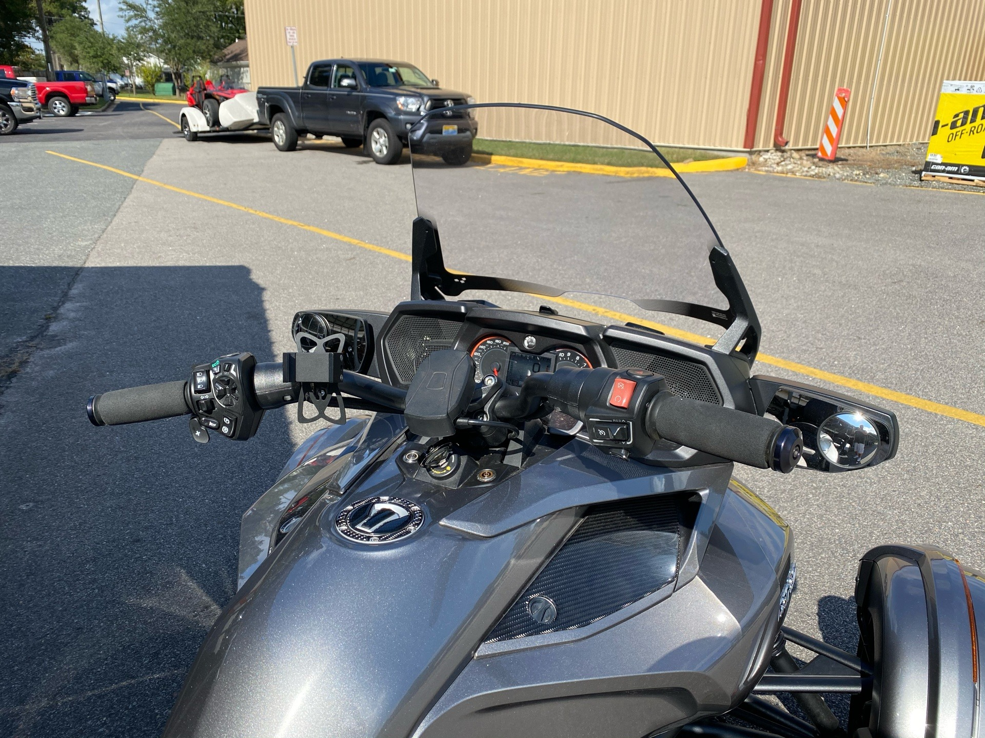 2017 Can-Am Spyder F3 Limited in Chesapeake, Virginia - Photo 7