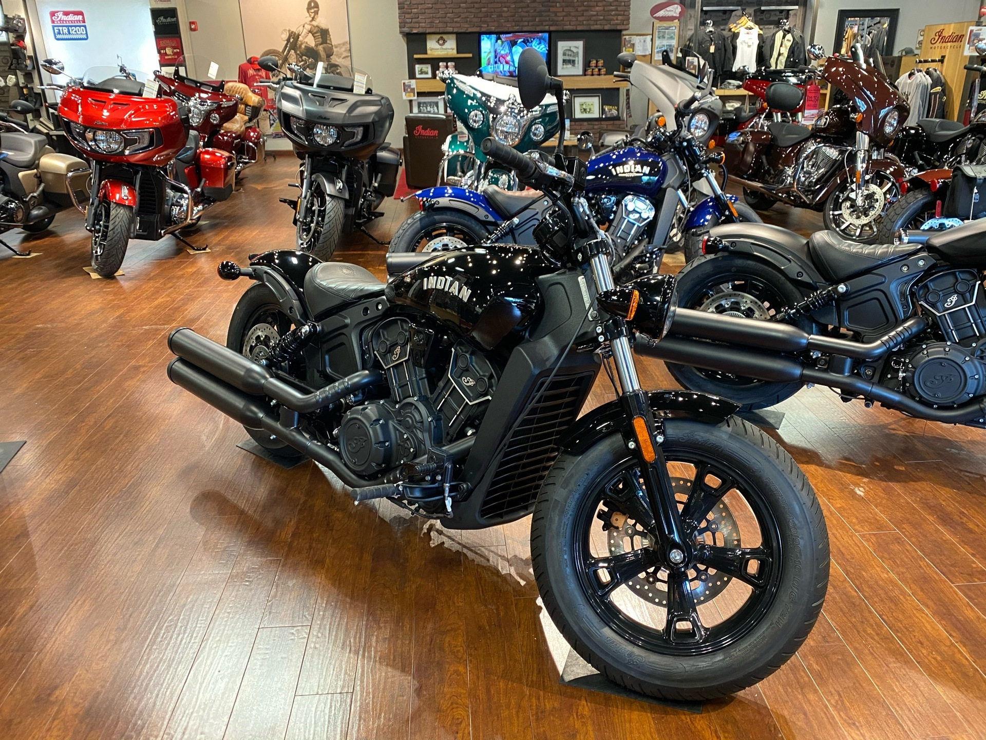 2020 Indian Scout® Bobber Sixty ABS in Chesapeake, Virginia - Photo 2