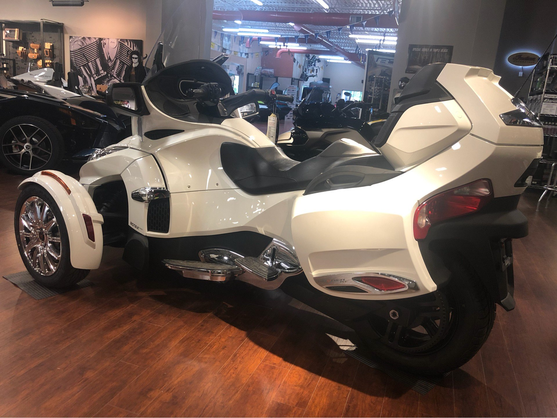 2018 Can-Am Spyder RT Limited in Chesapeake, Virginia - Photo 2