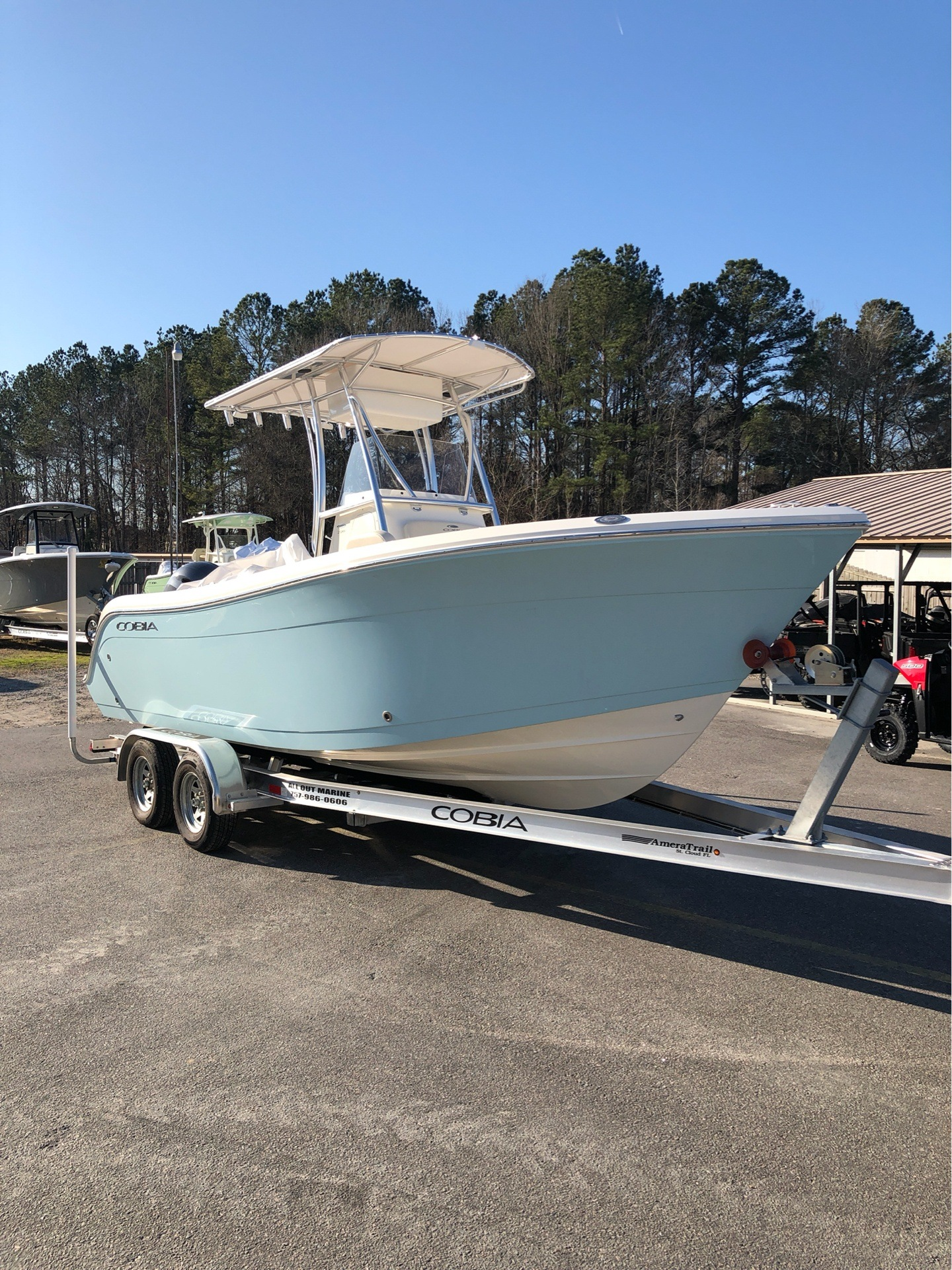 2019 Cobia 220 Center Console in Chesapeake, Virginia - Photo 2