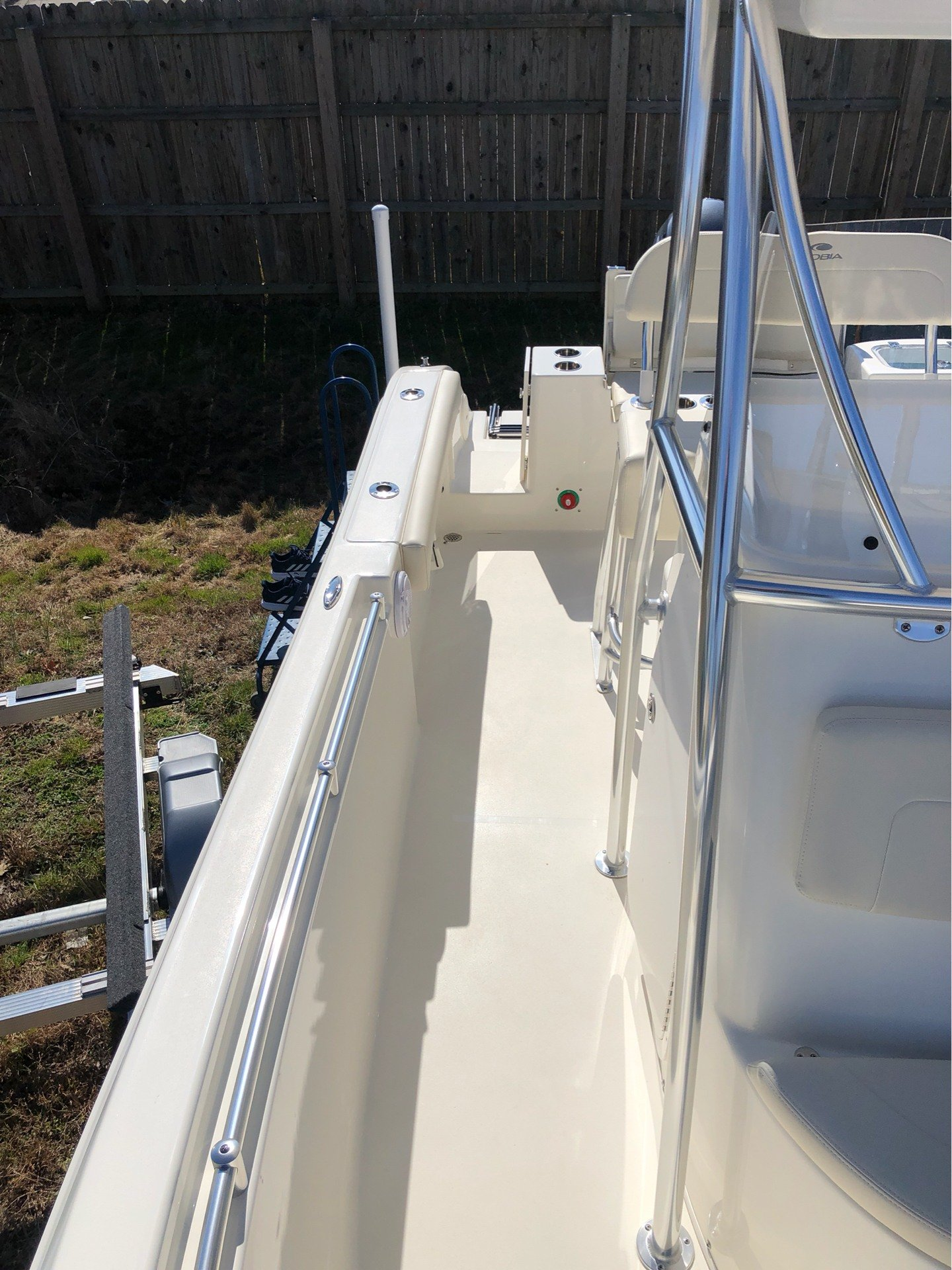 2019 Cobia 220 Center Console in Chesapeake, Virginia - Photo 14