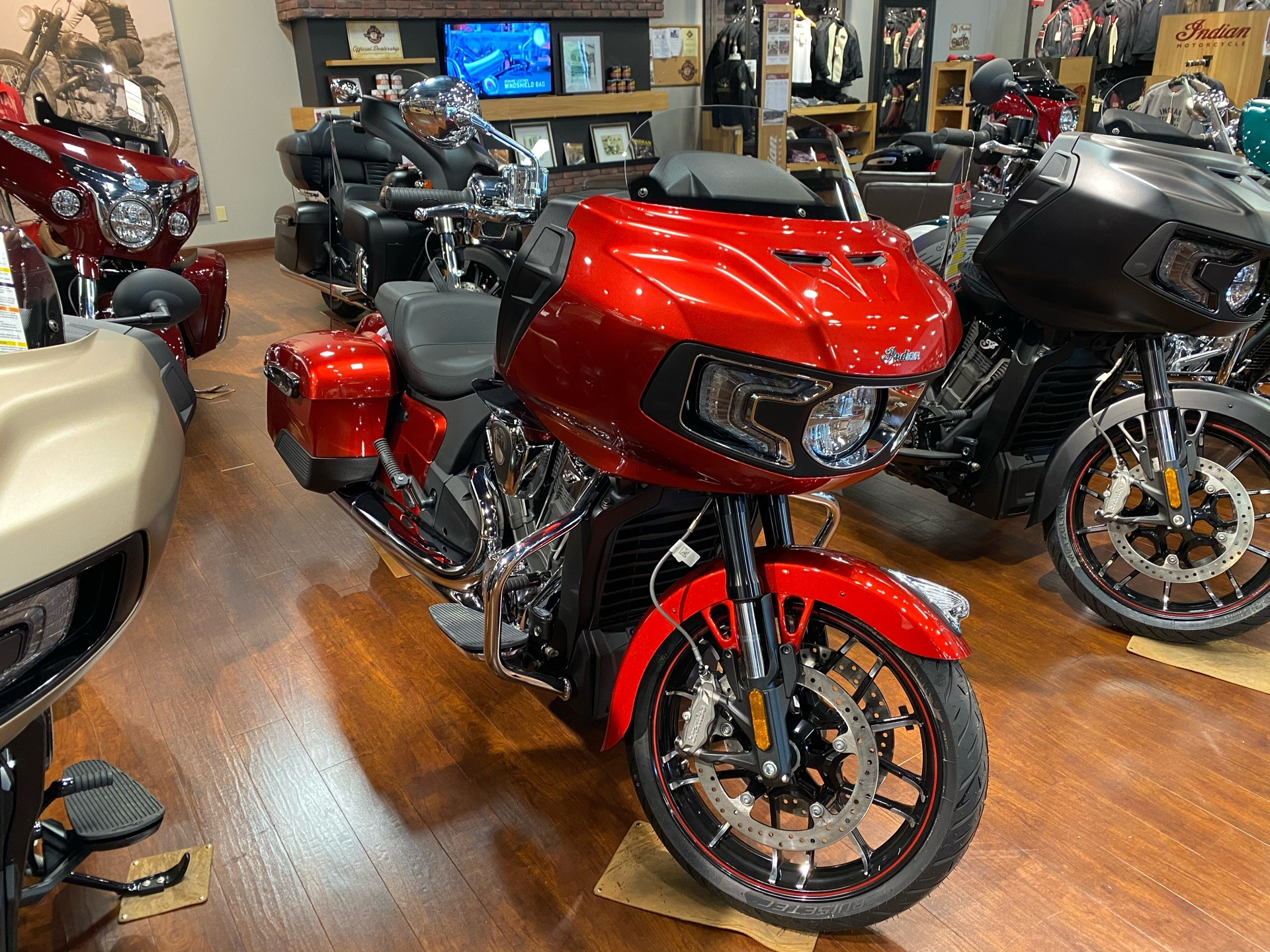 2020 Indian Challenger® Limited in Chesapeake, Virginia - Photo 1