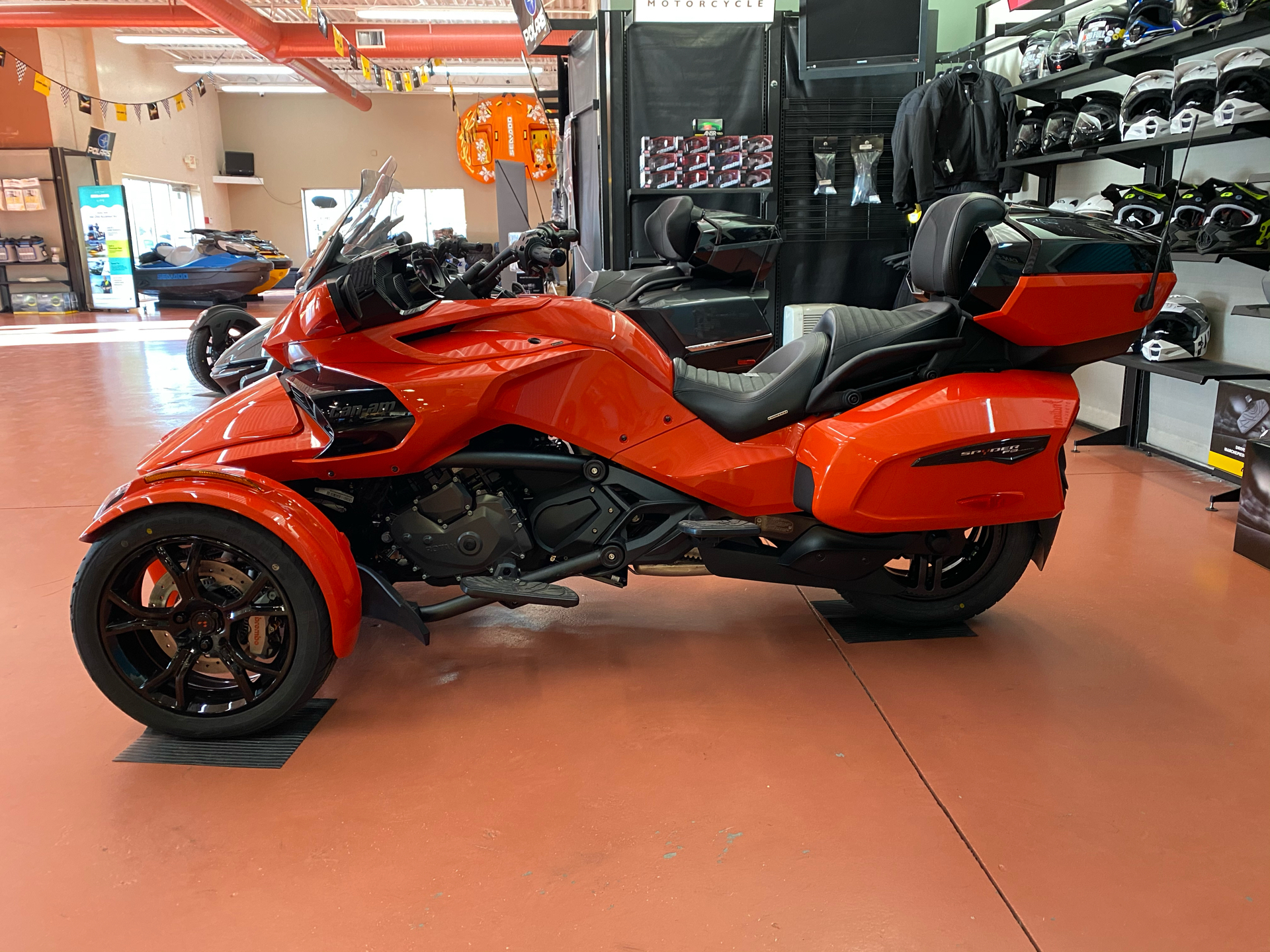 2021 Can-Am Spyder F3 Limited in Chesapeake, Virginia - Photo 2