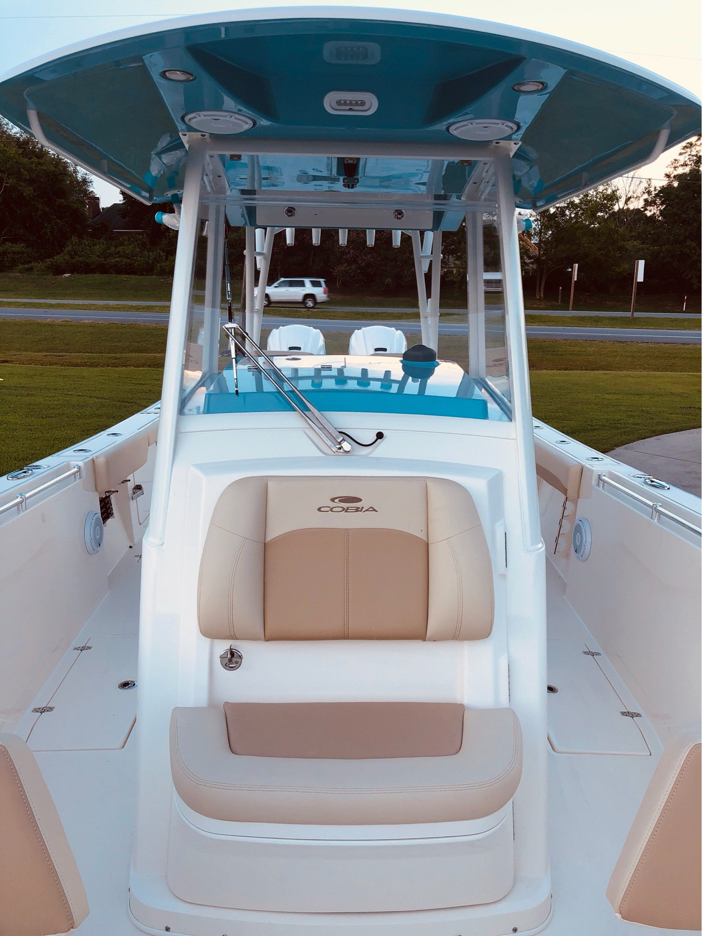 2020 Cobia 320CC in Chesapeake, Virginia - Photo 8