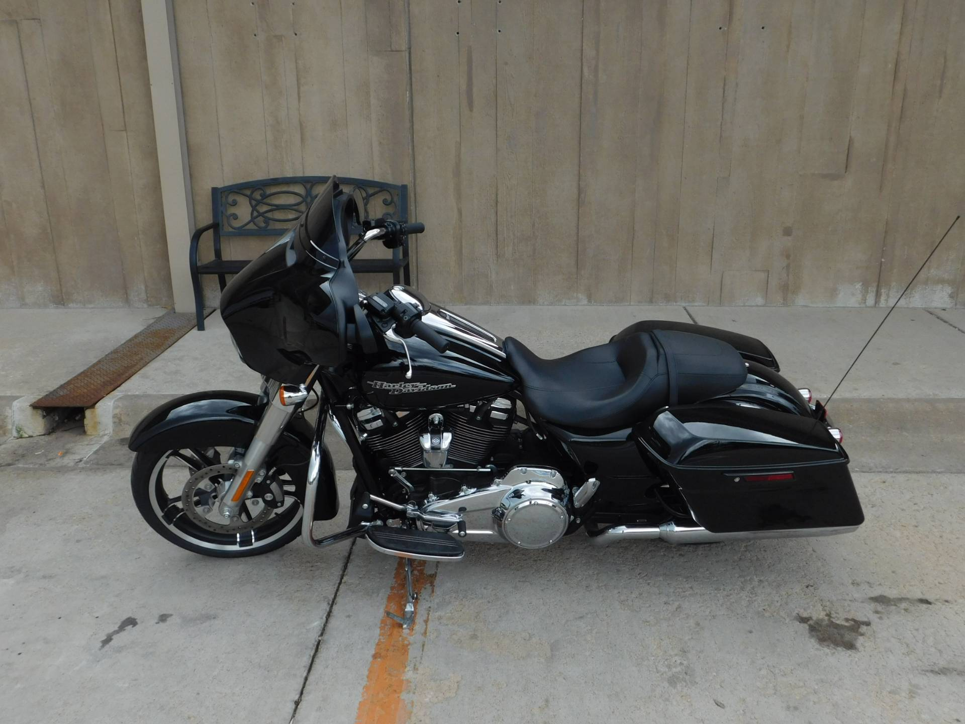 2019 Harley-Davidson Street Glide® in Colorado Springs, Colorado - Photo 2