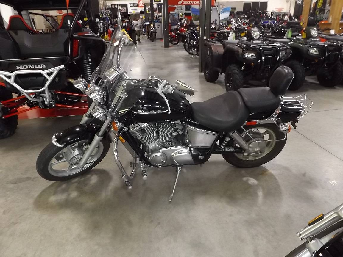 2001 Honda Shadow Spirit in Lewiston, Maine - Photo 3