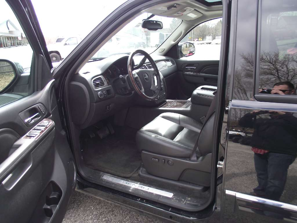 2012 GMC K1500 Seirra Denali in Lewiston, Maine - Photo 9