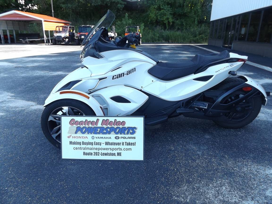 2014 Can-Am Spyder® ST SE5 in Lewiston, Maine - Photo 1