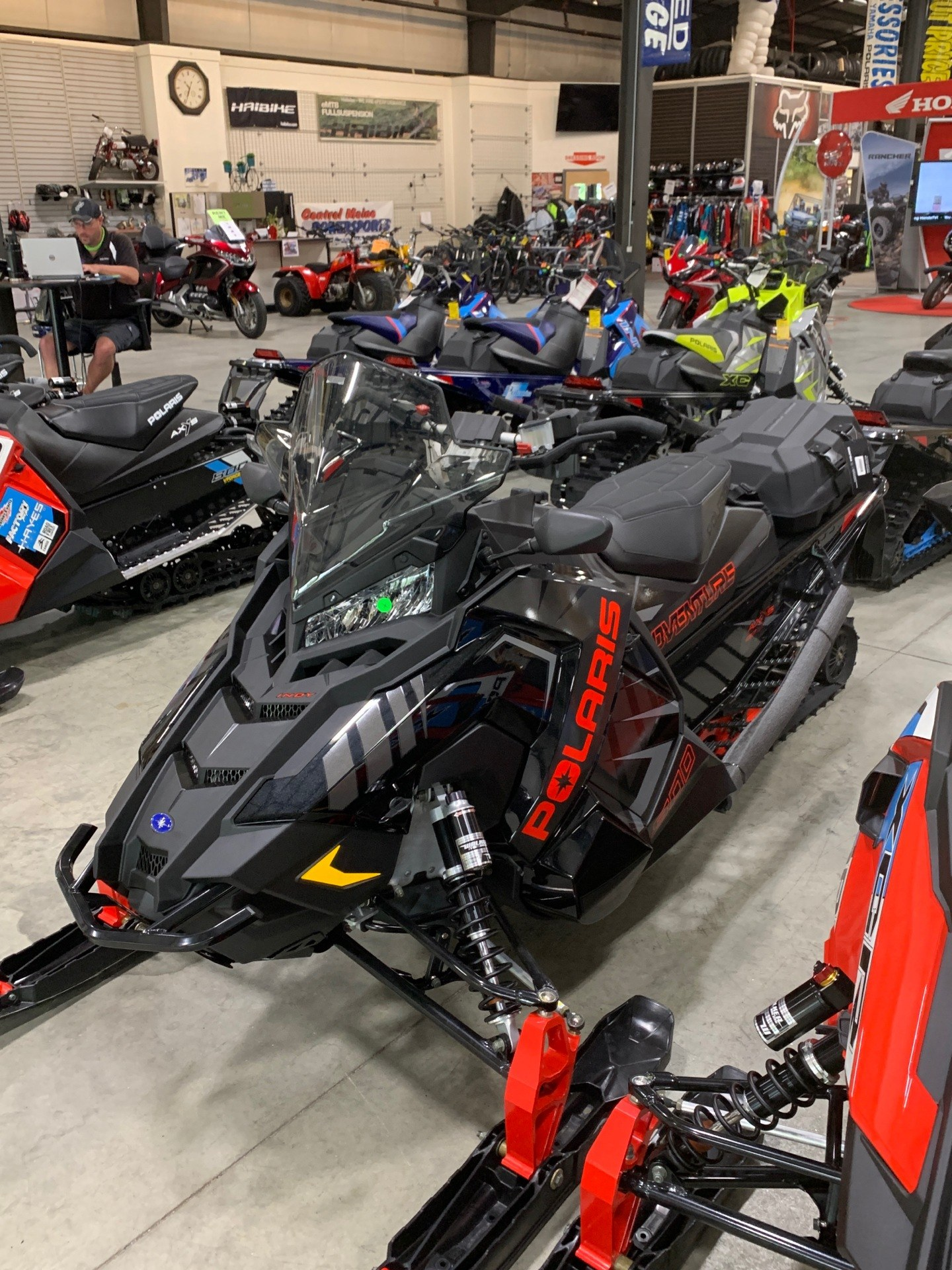 2020 Polaris 800 Indy Adventure 137 SC in Lewiston, Maine - Photo 3