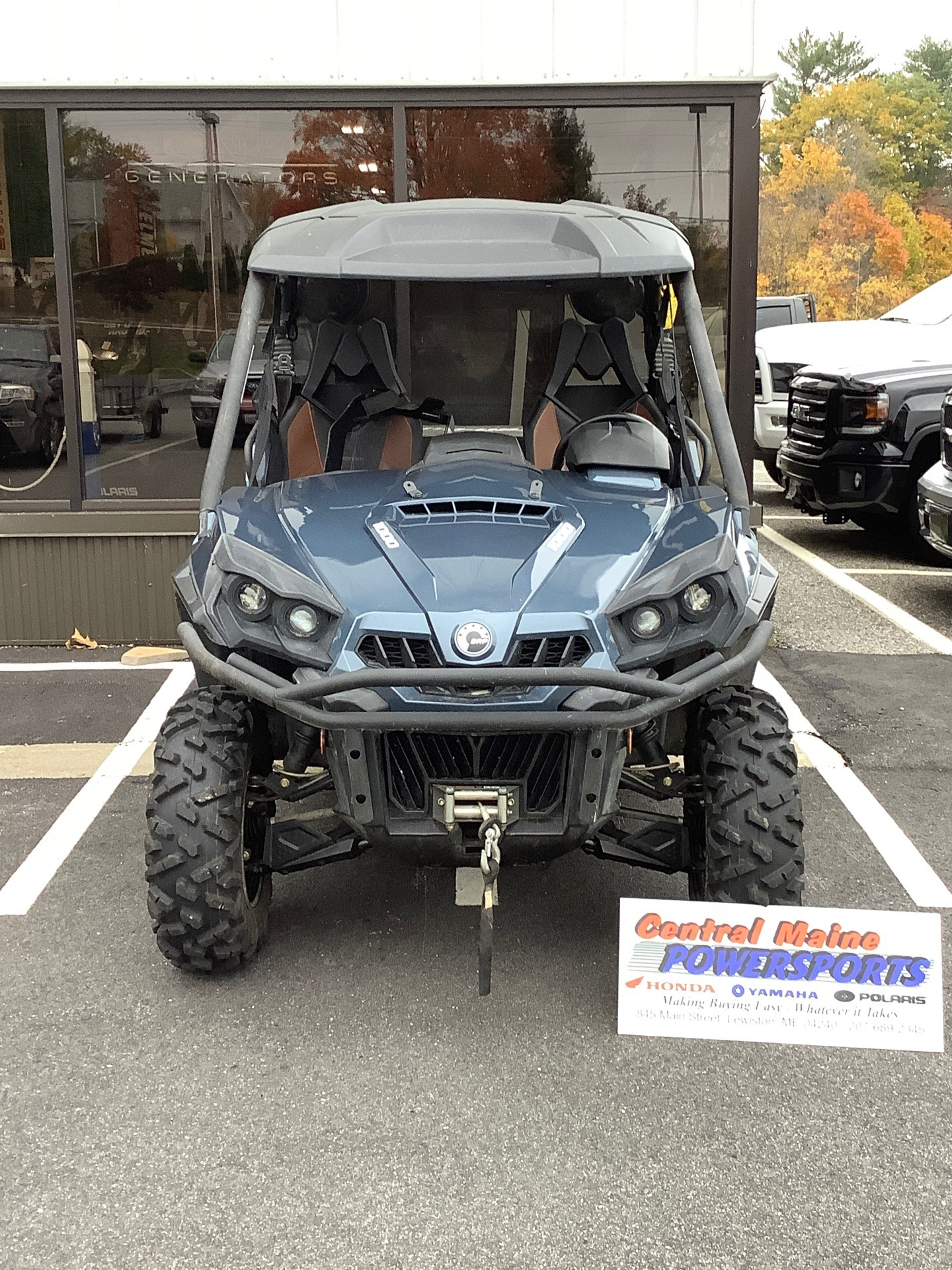 2017 Can-Am Commander Limited in Lewiston, Maine - Photo 1