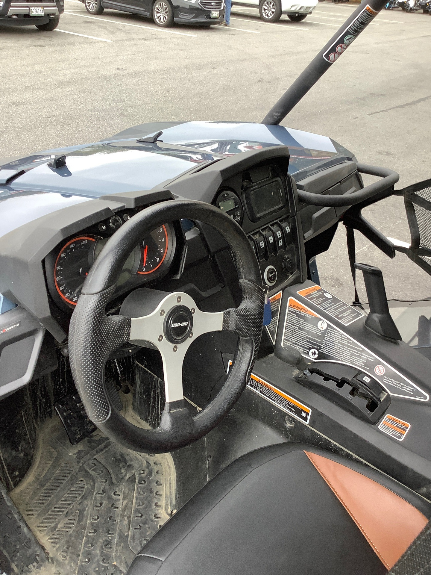 2017 Can-Am Commander Limited in Lewiston, Maine - Photo 5
