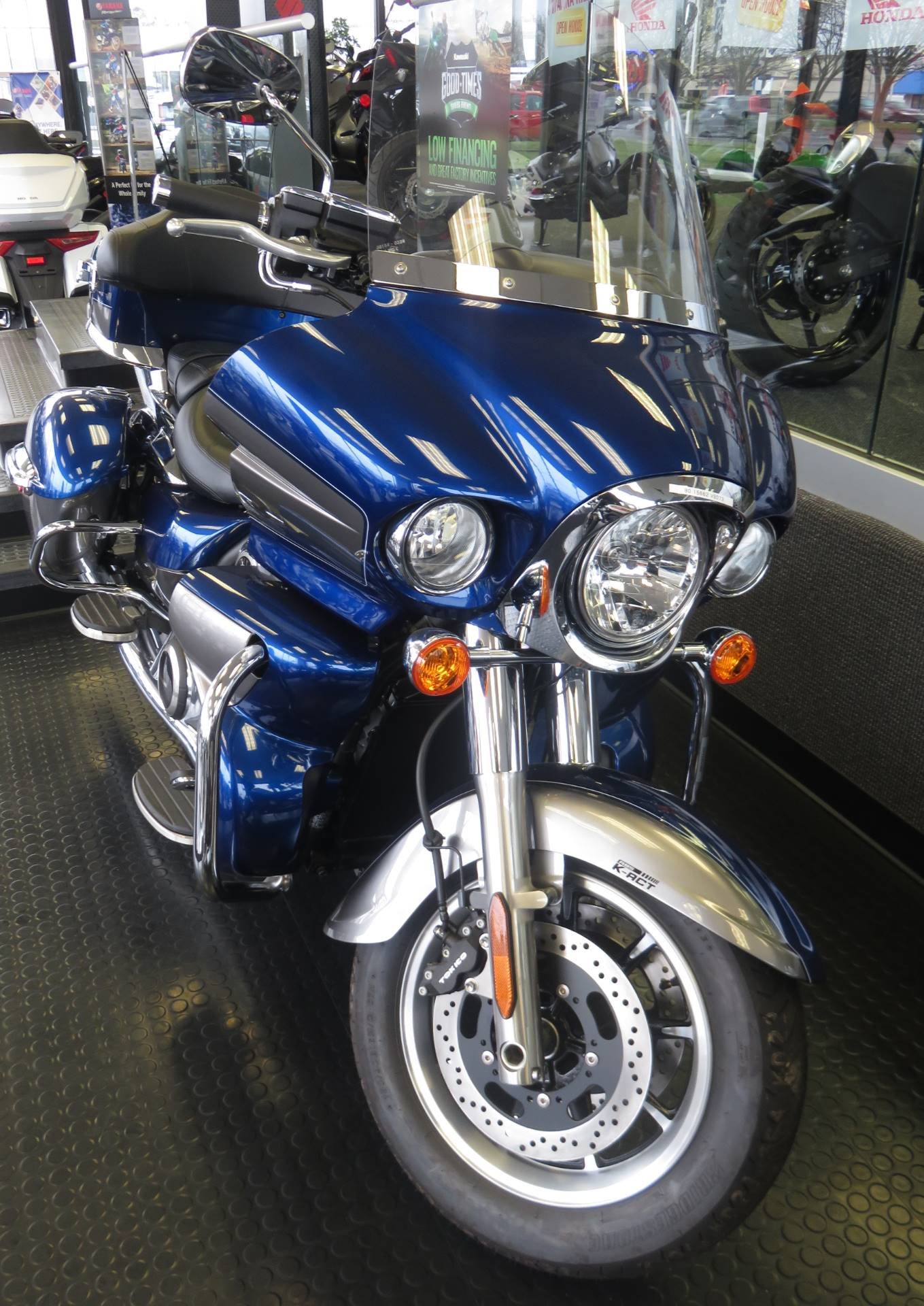 2019 Kawasaki Vulcan 1700 Voyager ABS in Virginia Beach, Virginia - Photo 2
