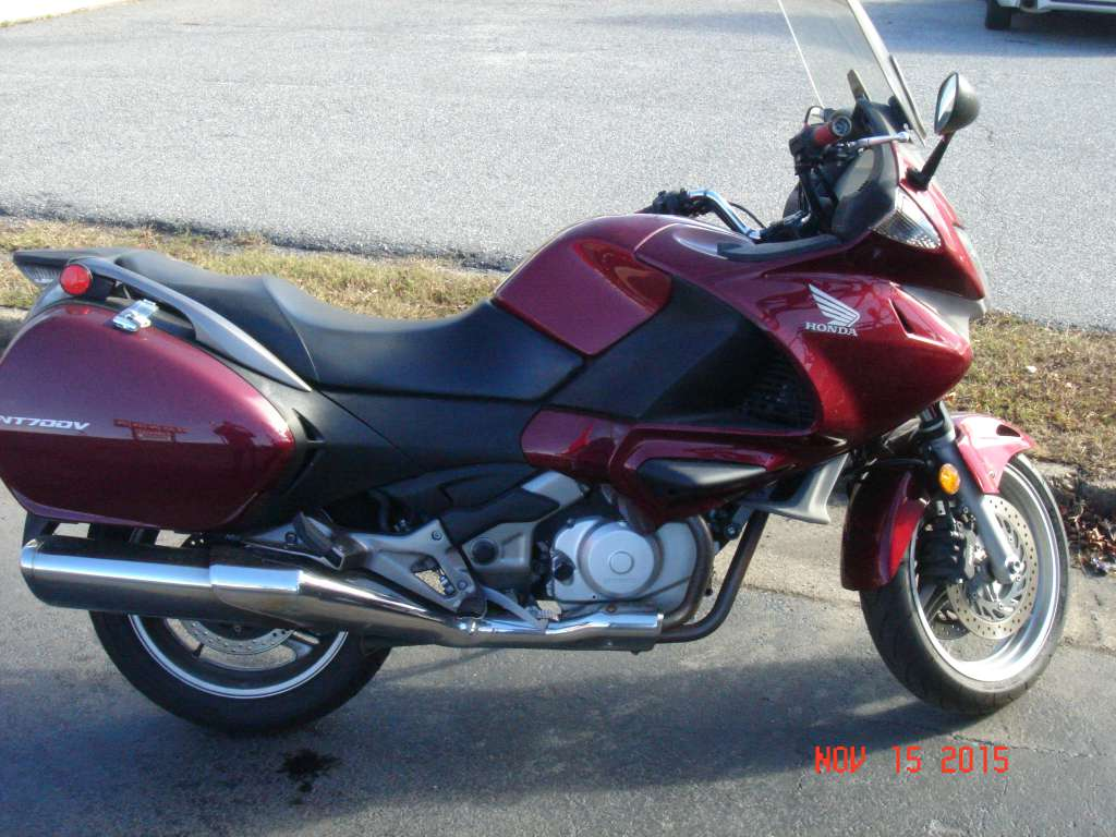 2010 Honda NT700V in Virginia Beach, Virginia