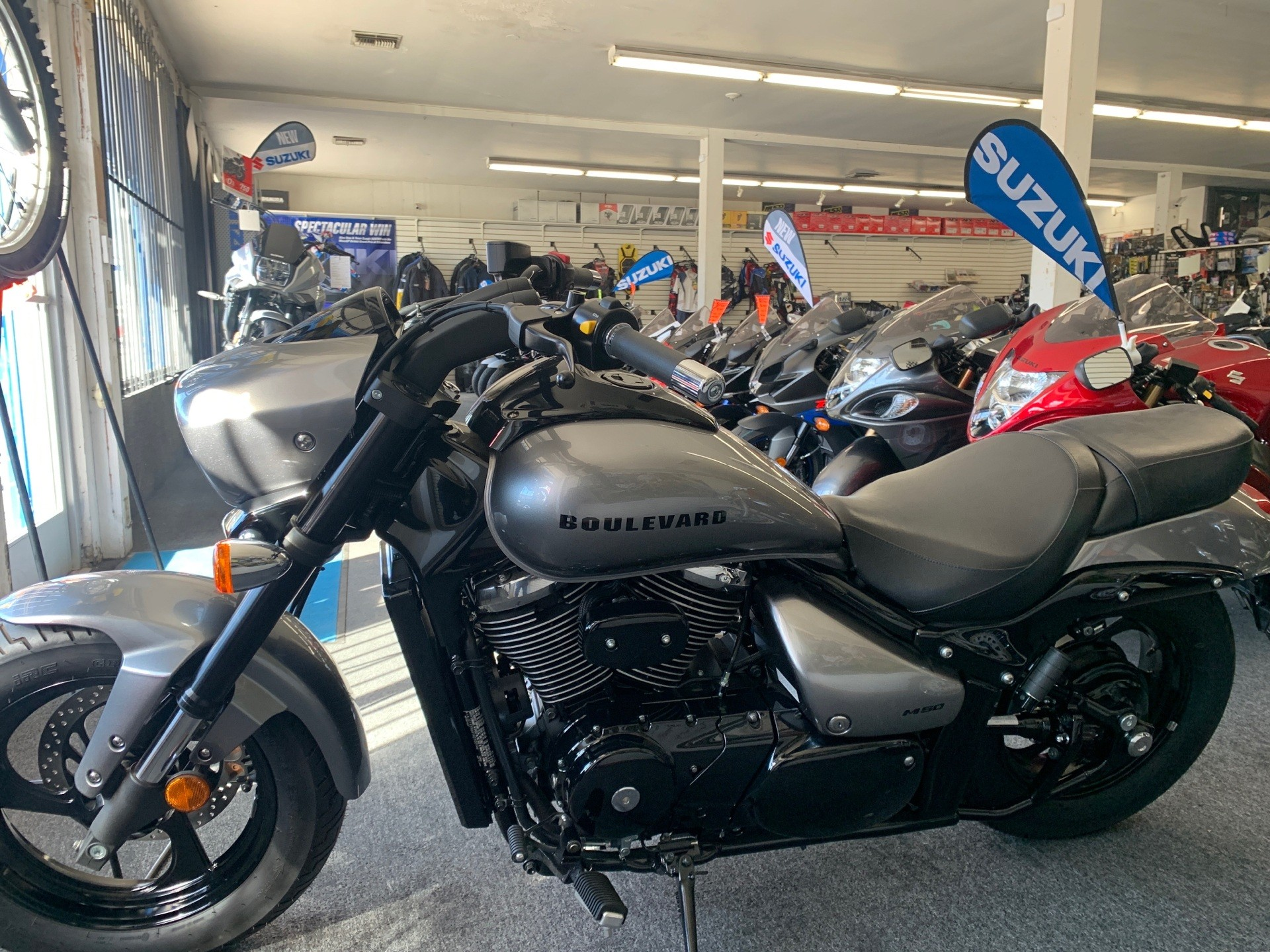 2017 Suzuki Boulevard M50 in Van Nuys, California - Photo 2