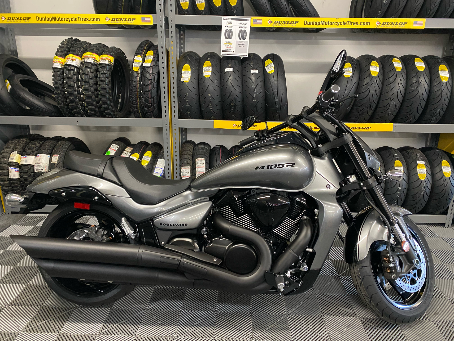 2020 Suzuki Boulevard M109R B.O.S.S. in Van Nuys, California - Photo 1