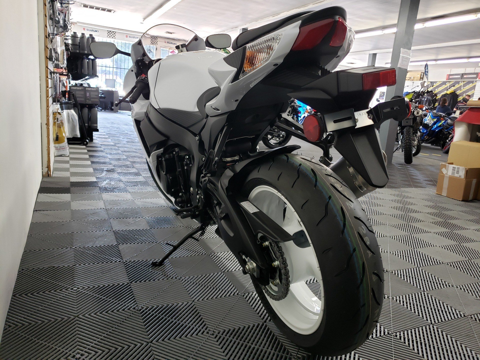 2020 Suzuki GSX-R600 in Van Nuys, California - Photo 4