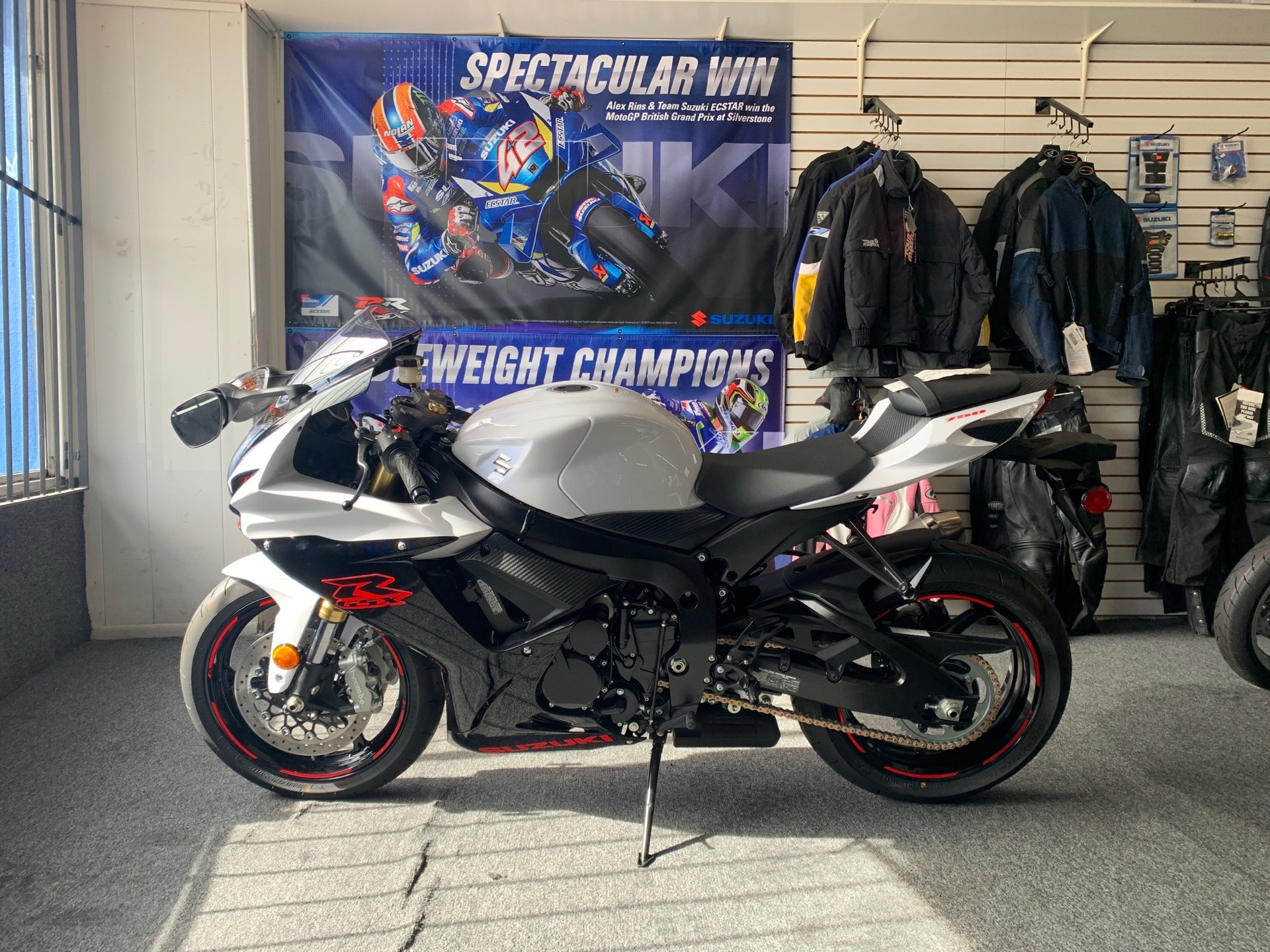 2019 Suzuki GSX-R750 in Van Nuys, California - Photo 2