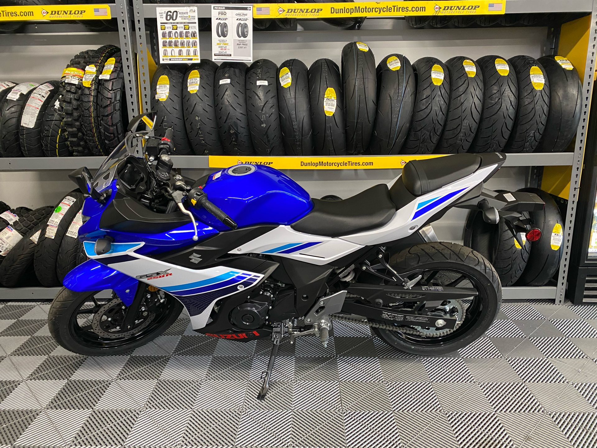 2019 Suzuki GSX250R in Van Nuys, California - Photo 7
