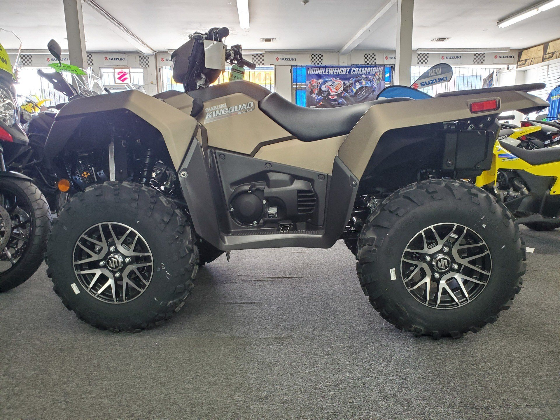 2020 Suzuki KINGQUAD in Van Nuys, California - Photo 1