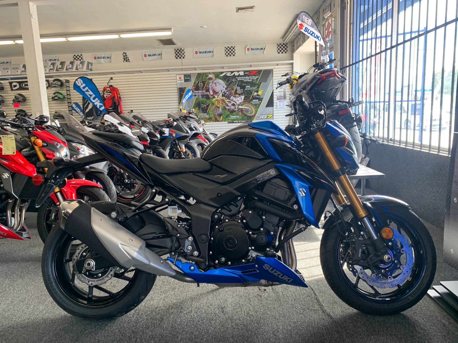 2018 Suzuki GSX-S750 in Van Nuys, California - Photo 1