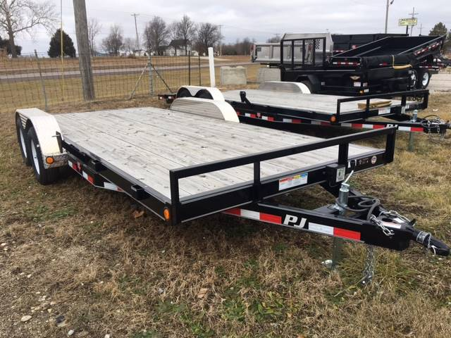 2016 PJ Trailers C51802 in Kansas City, Kansas