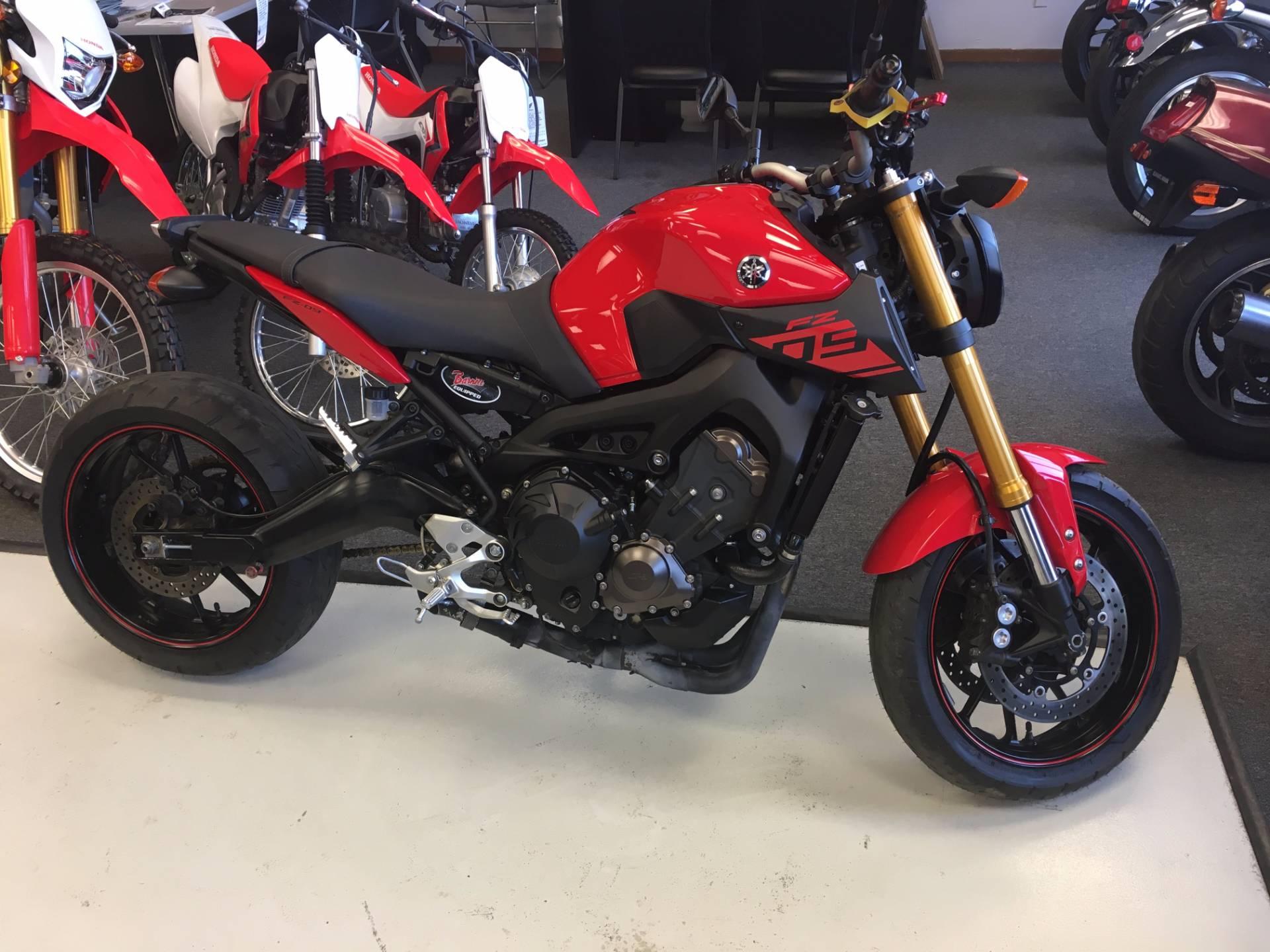 2014 Yamaha FZ-09 1