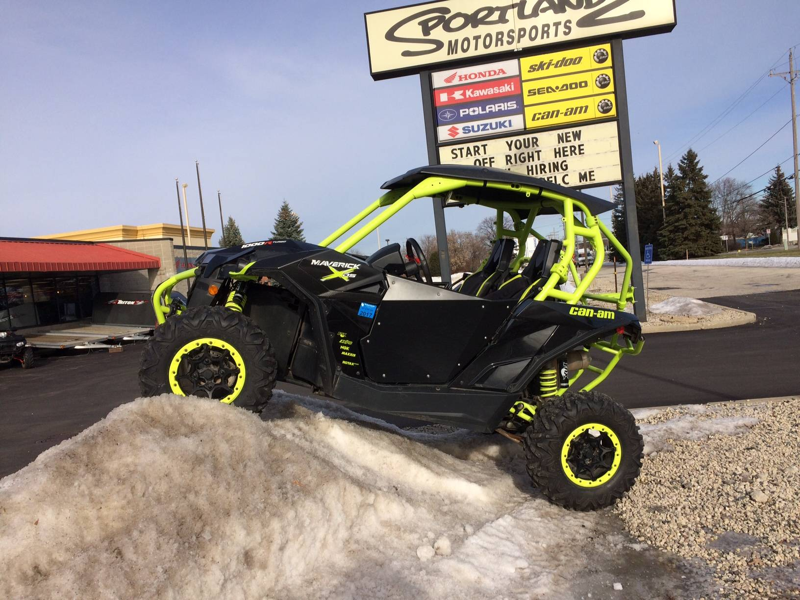 2015 Can-Am Maverick™ X® ds 1000R Turbo in Oak Creek, Wisconsin