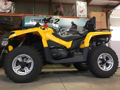 2016 Can-Am Outlander L MAX DPS 570 in Oak Creek, Wisconsin - Photo 2