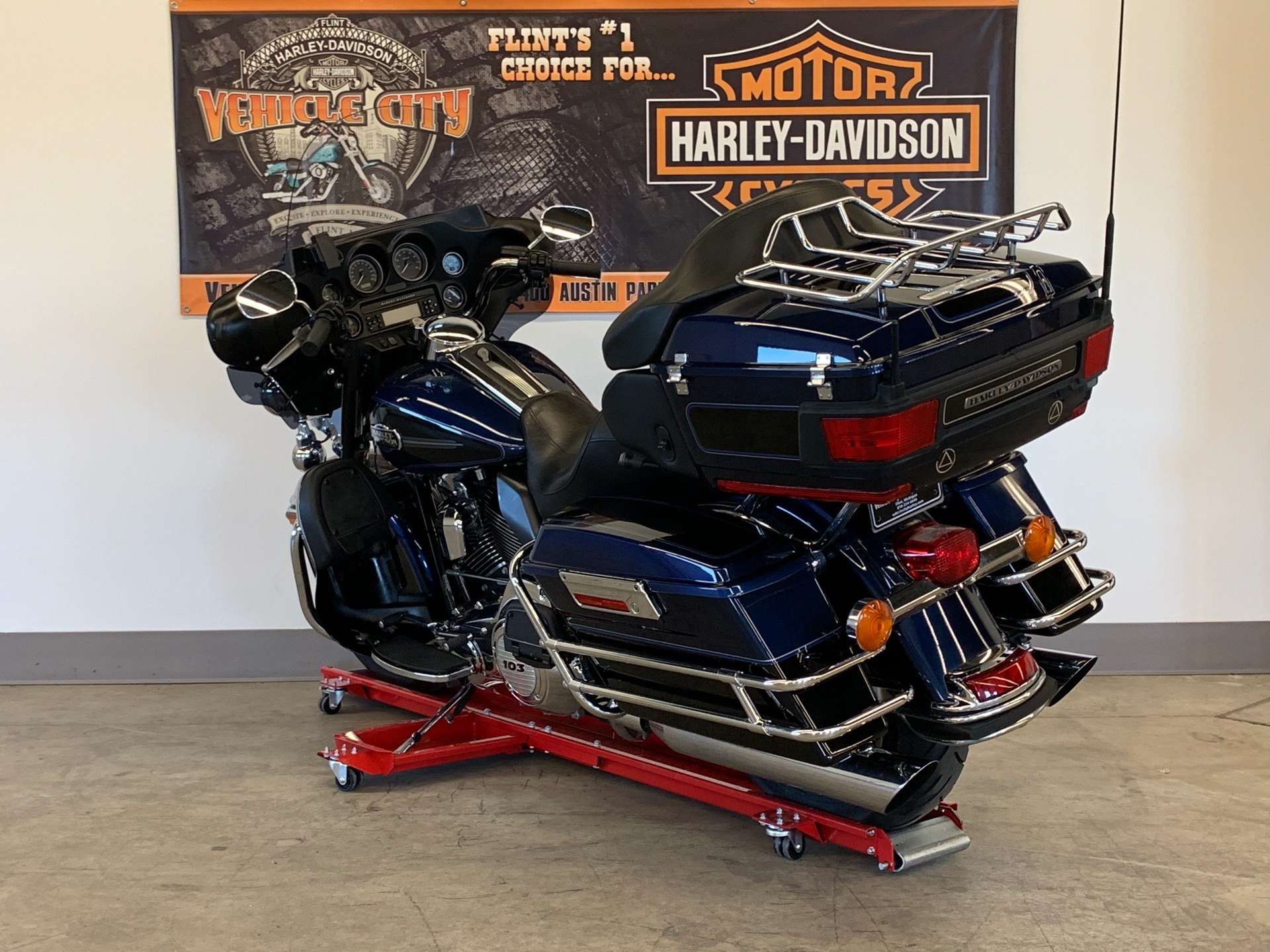 2012 Harley-Davidson Ultra Classic® Electra Glide® in Flint, Michigan - Photo 6