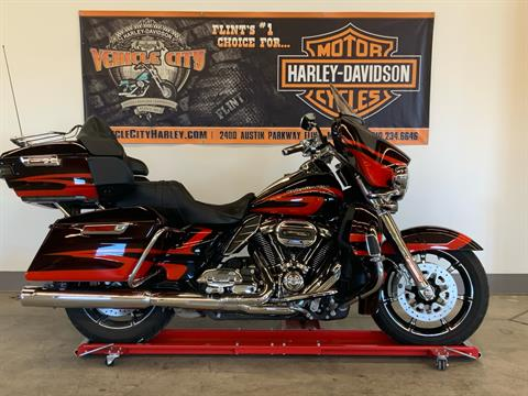 2017 Harley-Davidson CVO™ Limited in Flint, Michigan - Photo 1