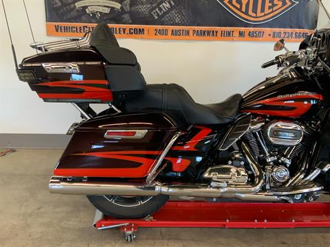 2017 Harley-Davidson CVO™ Limited in Flint, Michigan - Photo 11