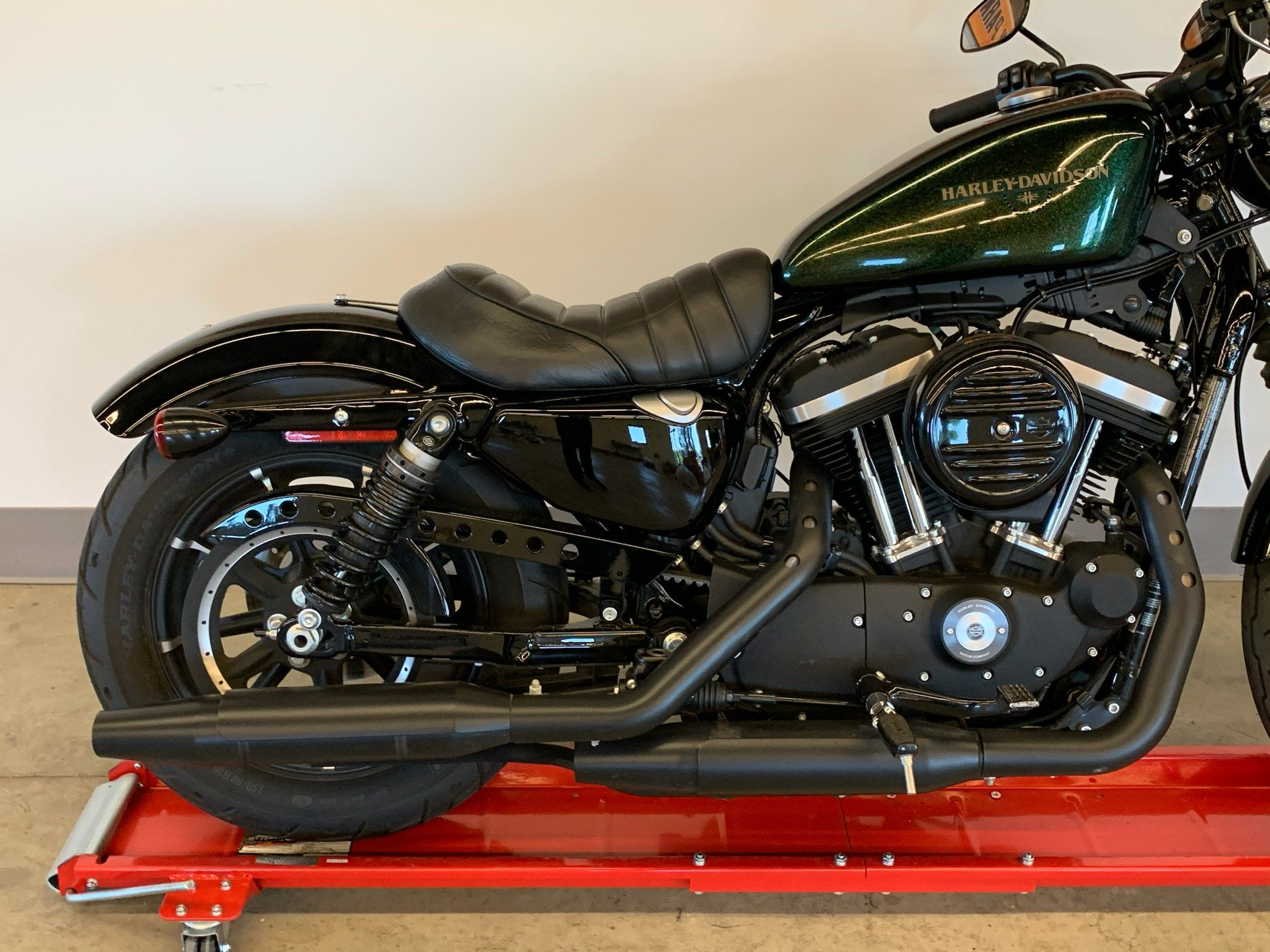 2018 Harley-Davidson Iron 883™ in Flint, Michigan - Photo 10