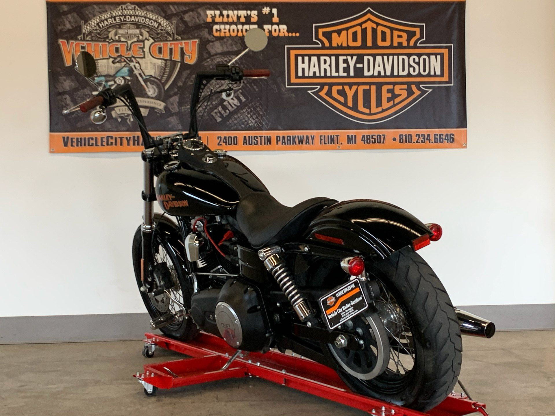 2017 Harley-Davidson Street Bob® in Flint, Michigan - Photo 6