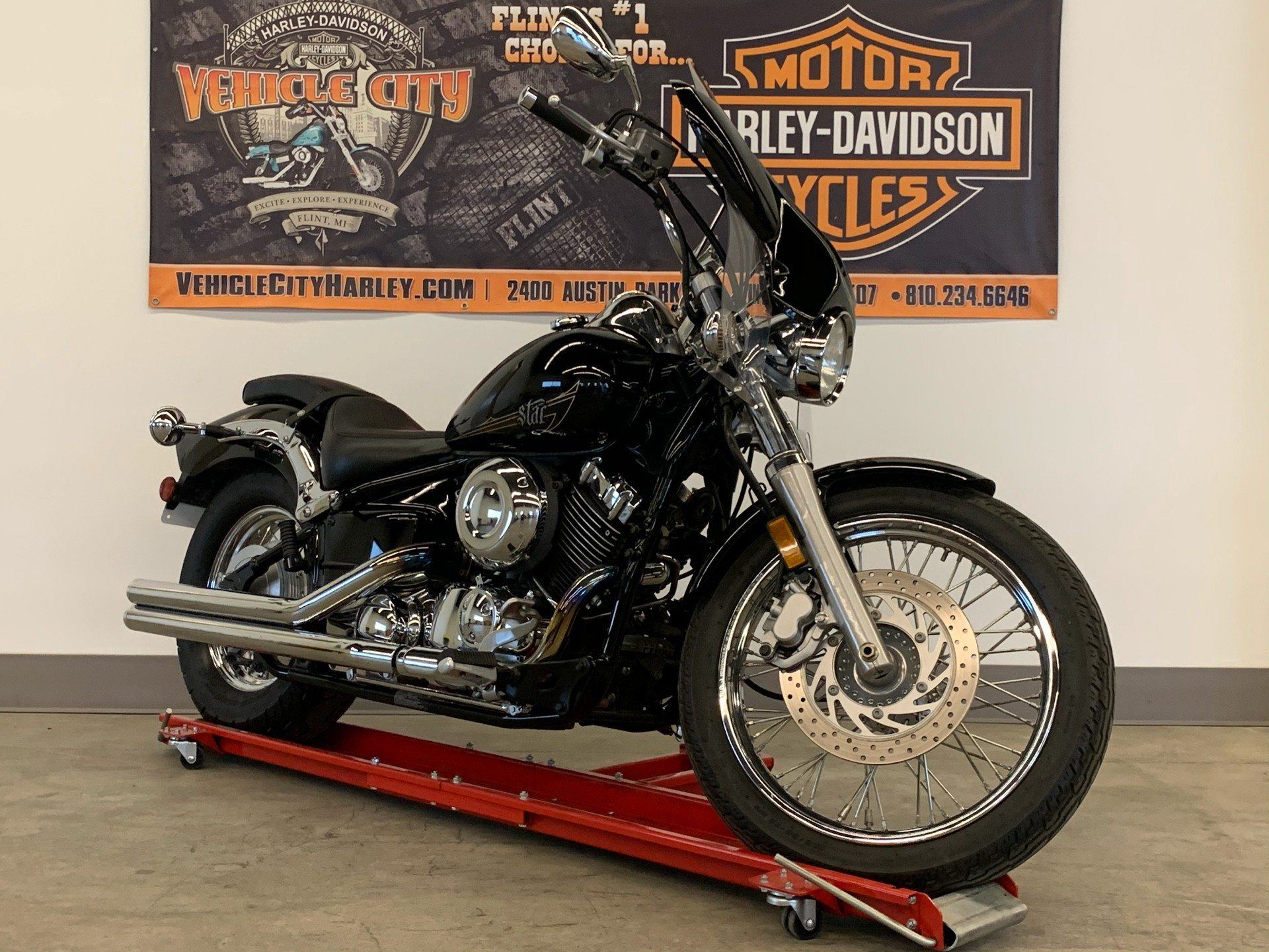 2013 Yamaha V Star 650 Custom in Flint, Michigan - Photo 2