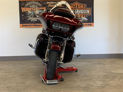 2015 Harley-Davidson CVO™ Road Glide® Ultra in Flint, Michigan - Photo 3