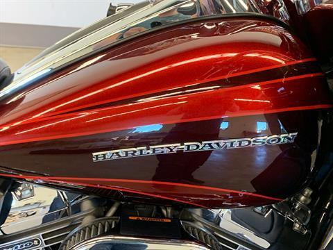 2015 Harley-Davidson CVO™ Road Glide® Ultra in Flint, Michigan - Photo 23