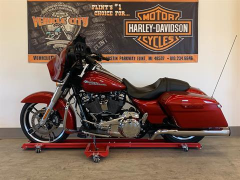 2019 Harley-Davidson Street Glide® in Flint, Michigan - Photo 5