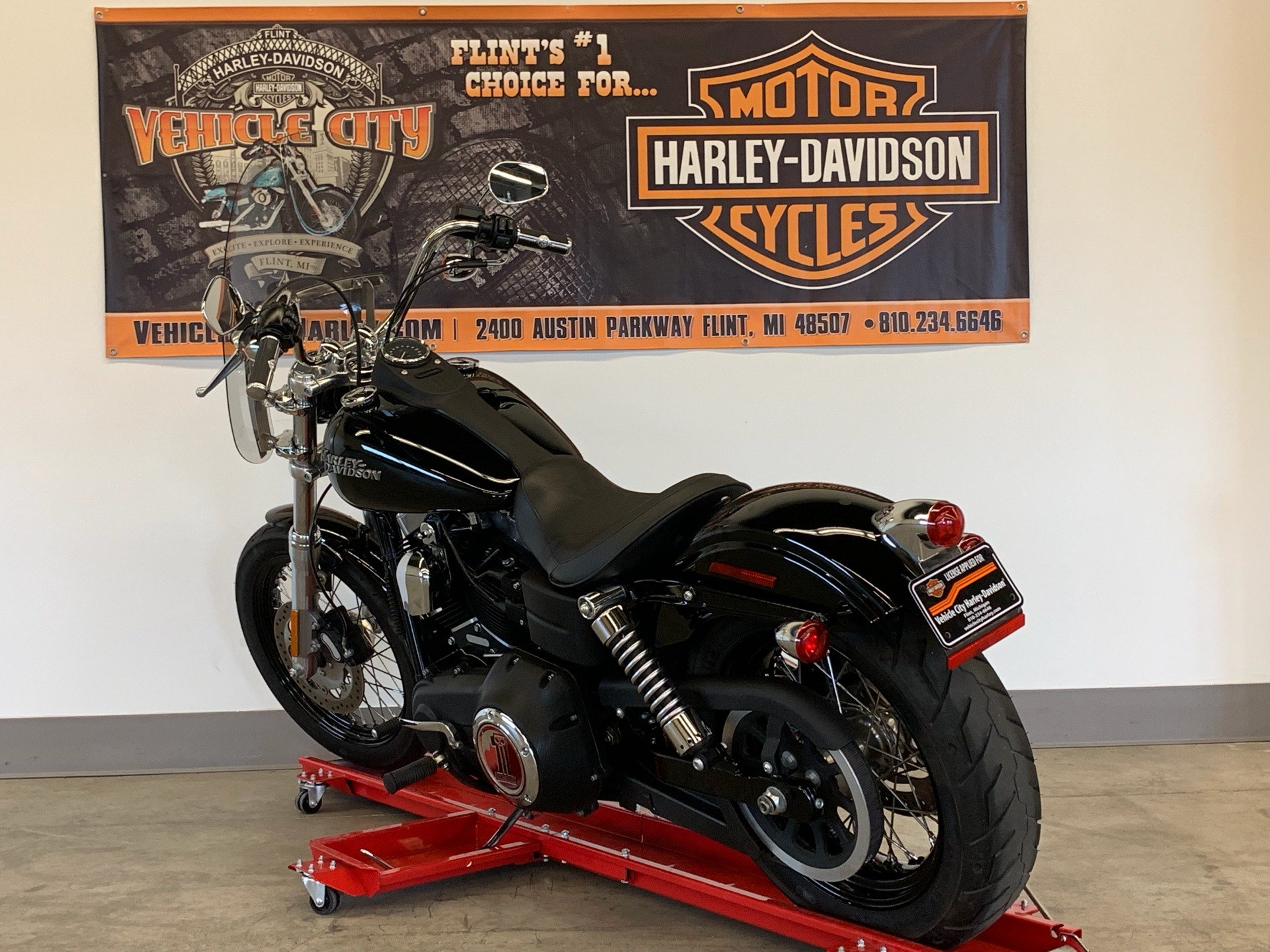 2012 Harley-Davidson Dyna® Street Bob® in Flint, Michigan - Photo 6