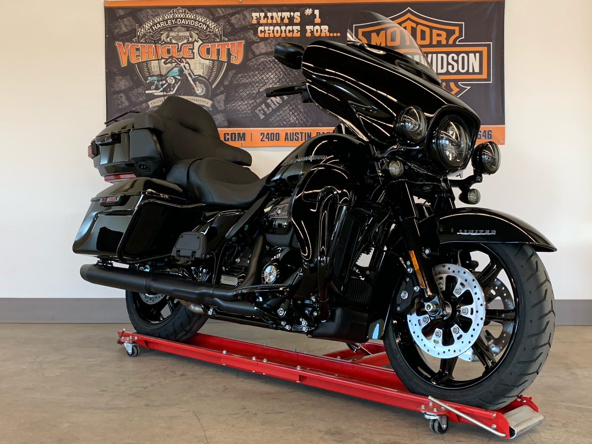 2021 Harley-Davidson ULTRA LIMITED in Flint, Michigan - Photo 2