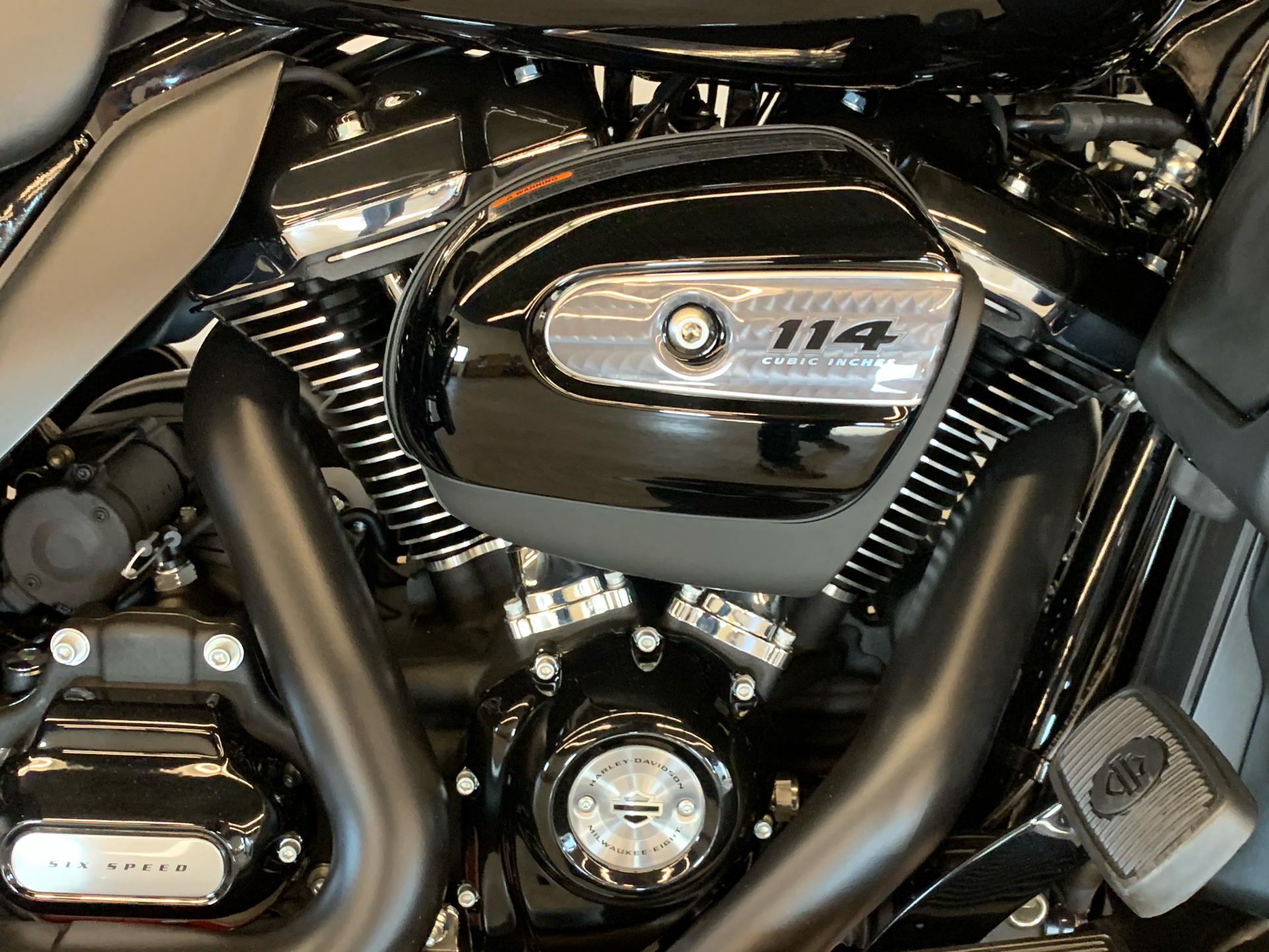 2021 Harley-Davidson ULTRA LIMITED in Flint, Michigan - Photo 8