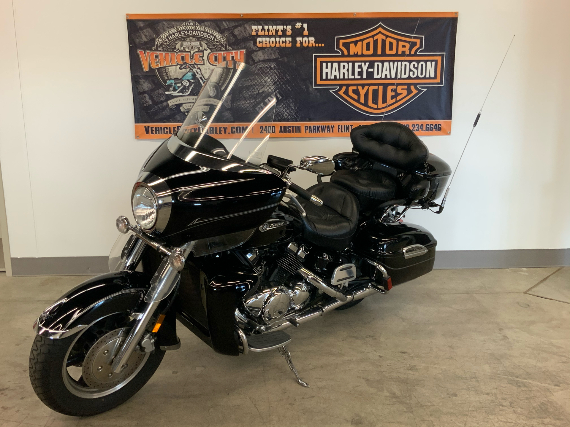 2012 Yamaha Royal Star Venture S in Flint, Michigan - Photo 4