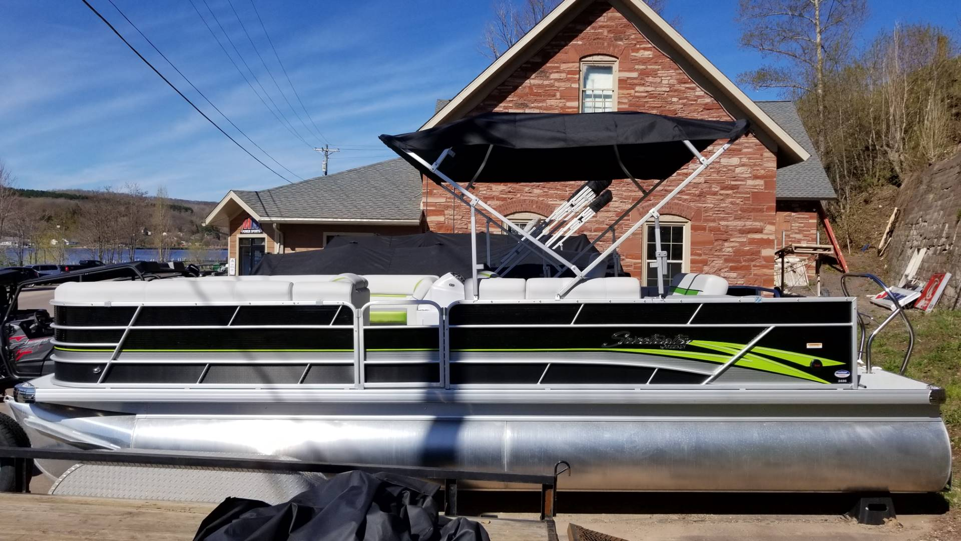 2019 Sweetwater 2486 SFL in Hancock, Michigan