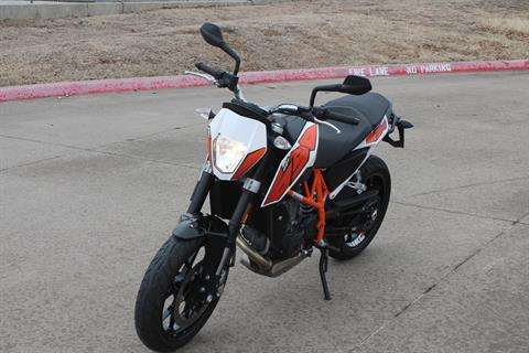 2015 KTM DUKE 690 in Allen, Texas - Photo 2