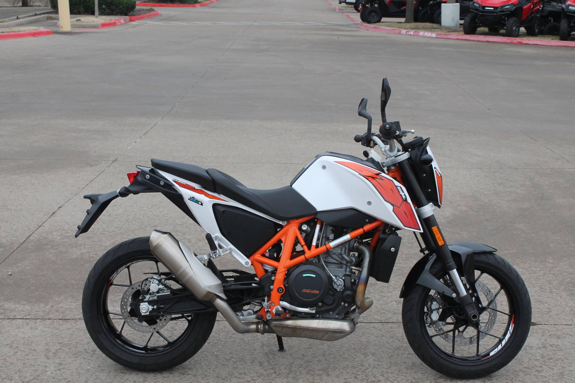 2015 KTM DUKE 690 in Allen, Texas - Photo 4