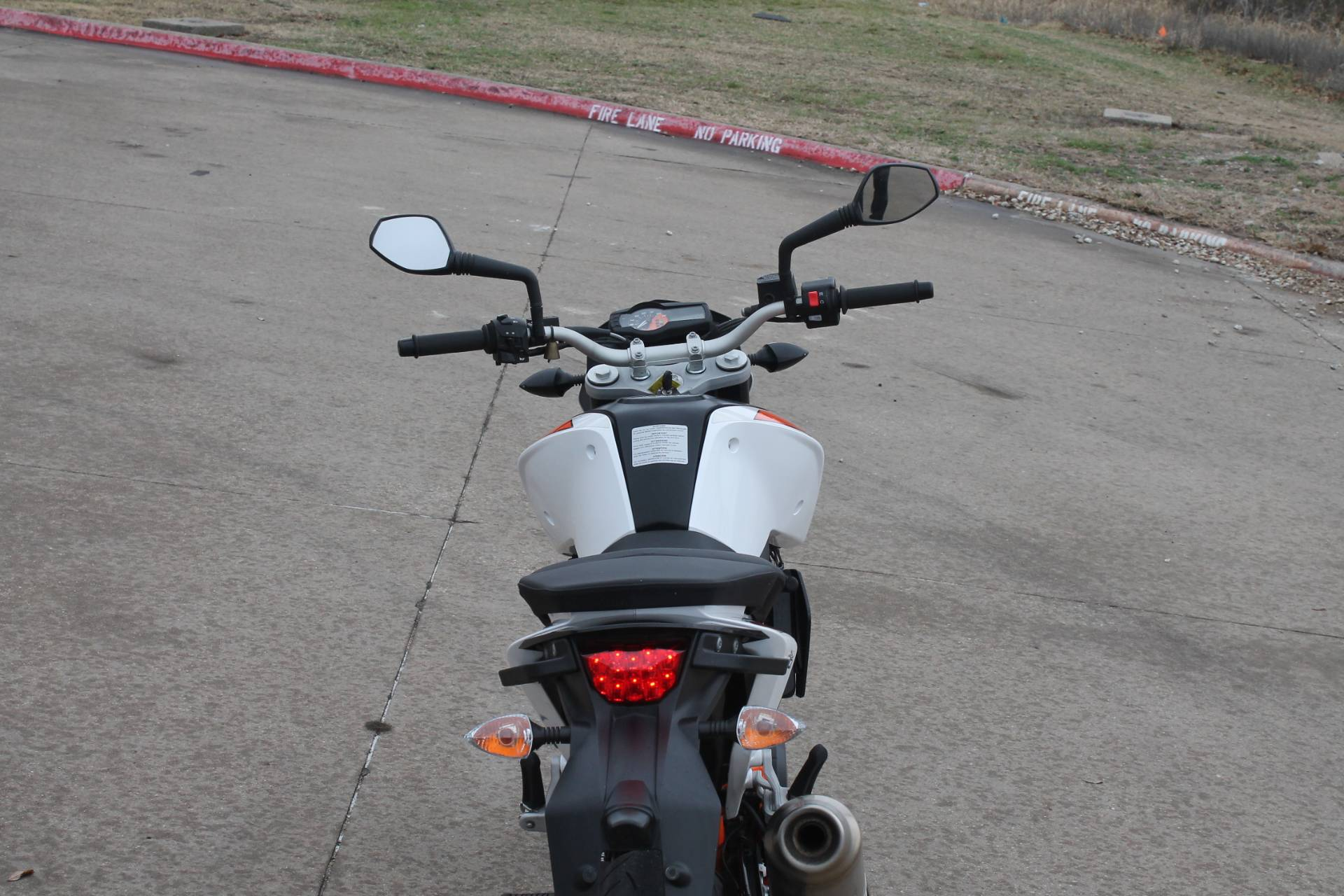 2015 KTM DUKE 690 in Allen, Texas - Photo 6