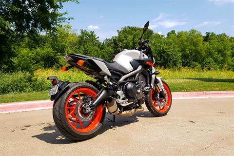 2019 Yamaha MT-09 in Allen, Texas - Photo 4