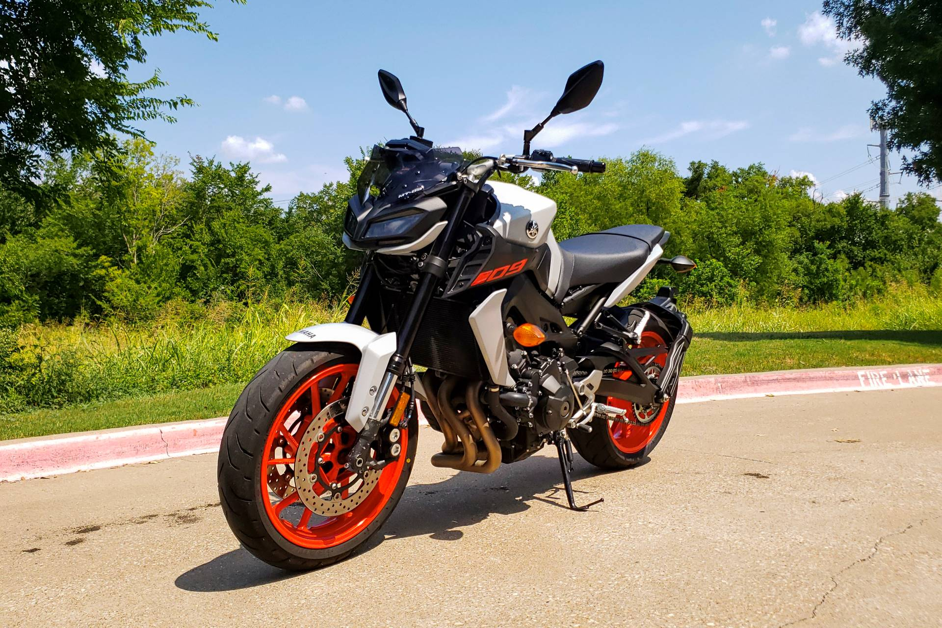 2019 Yamaha MT-09 in Allen, Texas - Photo 5