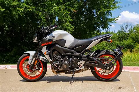 2019 Yamaha MT-09 in Allen, Texas - Photo 6